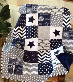 DALLAS COWBOY quilt in gray navy and white by Lovesewnseams