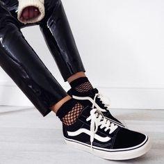 Sneakers women - Vans Old Skool (©honeybelleworldblog)