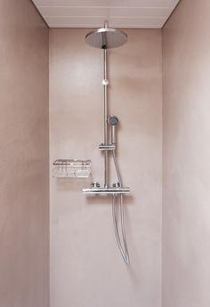 Walk-in shower polished concrete, waterproof coating Marius Aurenti Marius Aurenti, Home Design, Loft Bathroom, Bathrooms, Waterproof Coat, Polished Concrete, Apartment Interior Design, Walk In Shower, Bathroom Inspiration