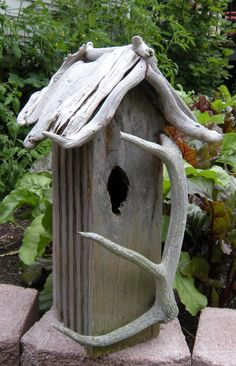 Driftwood and antler birdhouse. I could make this.  A house for the birdies. Reminder- if you own a cat, put a bell on him/ her. Cats are killing millions of birds annually.