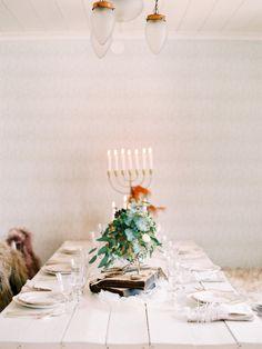 Rustic table: http://www.stylemepretty.com/little-black-book-blog/2015/05/11/vintage-elegant-swedish-wedding-inspiration/   Photography: 2 Brides - http://2brides.se/