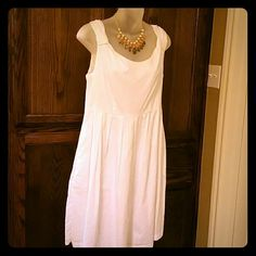Dress New! Light summer dress with side zipper and pockets. Prefect for those summer days! George Dresses Midi