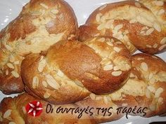 Small tsourekia Recipe by Cookpad Greece Greek Sweets, Greek Desserts, Greek Recipes, Sweets Recipes, Easter Recipes, Cooking Recipes, Popcorn Cake, Eat Greek, Cake Board
