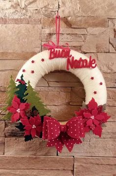 of the best DIY Christmas wreath ideas DIY projects – Christmas Crafts Easy Christmas Ornaments, Felt Christmas Decorations, Christmas Wreaths To Make, Holiday Wreaths, Christmas Projects, Simple Christmas, Christmas Crafts, Christmas 2019, Christmas Tree