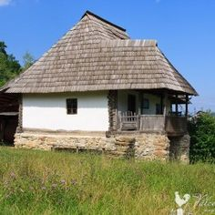 Turism Romania, Vernacular Architecture, Design Case, Beautiful Buildings, Home Fashion, Traditional House, Old Houses, Gazebo, Cottage