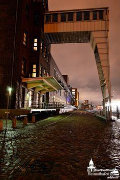 Abends am Hamburger Hafen in Neumühlen...