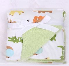 Kids Gifts, Baby Gifts, Baby Sleeping Blanket, Burp Cloth Tutorial, Fleece Baby Blankets, Kids Slippers, Baby Bedding Sets, Baby Swaddle, Baby Cribs