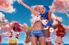 Katy Perry   (California Gurlz Video)