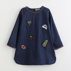 Little girls denim dress, great shape, perfect for spring!