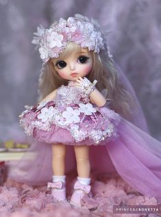 ideas for toys drawing dolls Cute Small Girl, Cute Little Baby Girl, Cute Baby Dolls, Little Doll, Cute Girl Hd Wallpaper, Cute Love Wallpapers, Cute Disney Wallpaper, Cute Cartoon Wallpapers, Cute Cartoon Pictures