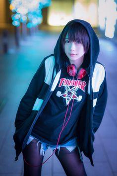 Beautiful Japanese Girl, Beautiful Asian Girls, Japan Fashion, Teen Fashion, Cute Asian Girls, Cute Girls, Girl With Headphones, Figure Poses, Bd Comics