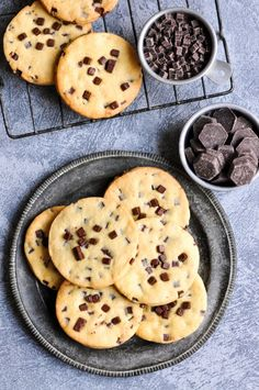 chocolate chip sable