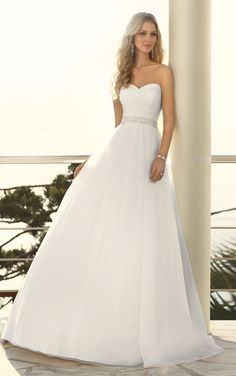 Fairy tale princess designer wedding dress by Stella York. (Style 5504)