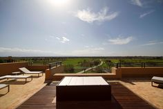 Jacuzzi at the top of the villa. (close)