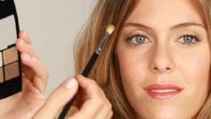 How to Apply Makeup to Droopy eyelids.. like mine.