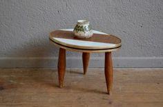 Table tripode vintage piétement compas bohème années 60 sixties forme libre oval haricot
