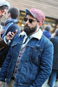For the second day of Pitti Uomo Guaizine bring us new looks photographed  in the streets of Florence in exclusive for Fucking Young! 6c80027143ee