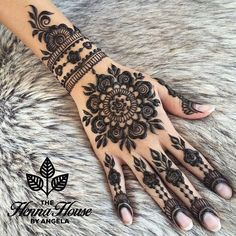 Cute Henna Tattoos Designs Images Gallery - Best Cute Henna Tattoo Designs Pictures on Hand for Girl. New collection henna design with cute design Henna Hand Designs, Mehndi Designs Finger, Mehndi Designs For Fingers, Mehndi Art Designs, Mehndi Patterns, Beautiful Henna Designs, Bridal Mehndi Designs, Henna Tattoo Designs, Tribal Henna Designs