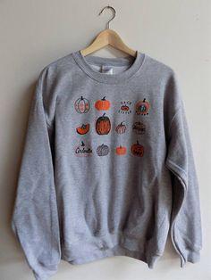 Pumpkin Sweatshirt Halloween Sweatshirt Screenprinted Sweatshirt – Style Tips Screen Printing Shirts, Printed Shirts, Grey Sweatshirt, Crew Neck Sweatshirt, Pullover, Estilo Grunge, Halloween Sweatshirt, Thing 1, Sweater Weather