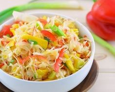 Vegan Mango Slaw 2 (Girl Makes Food) Raw Vegan Recipes, Vegetarian Recipes, Healthy Recipes, Jackfruit Burger, Vegan Coleslaw, Cabbage Slaw, Salad Recipes, Healthy Eating, Meals