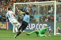 """""""Suarez gives Uruguay 2-1 win over England """" and more news from FIFA world cup at GISMaark Sports corner visit to read http://www.gismaark.com/NewsSportss.aspx"""