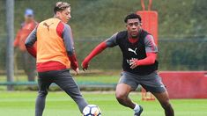 EPL: Chelsea legend, Cascarino advises Unai Emery to offload Iwobi, Ozil, 7 other Arsenal players