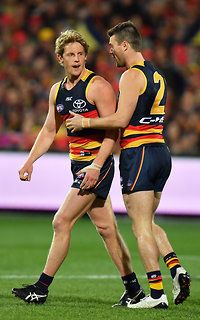 Broken cheekbone not enough to keep Crow off with game on the line Male Athletes, Australian Football, Athletic Men, Crows, Football Team, Facial, Running, Sports, Photos