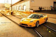 Honda NSX in yellow