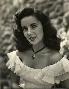 Elizabeth Taylor, 1947