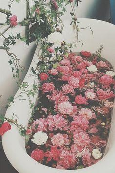 bathtub | Tumblr