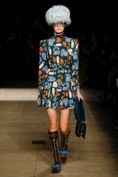 Miu Miu Fall 2017 Ready-to-Wear Fashion Show - Sveta Black