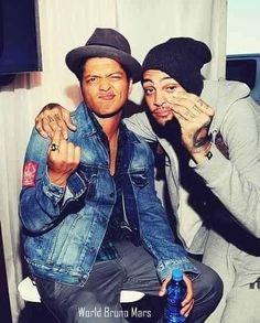 Bruno & Travie