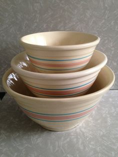 Set of 3 Red Mixing Bowls with Lids, Universal Cambridge USA Oven ...