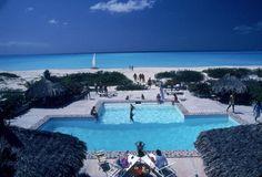 Pool on Beach (© Slim Aarons)