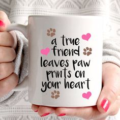 [Visit to Buy] A true friend leaves paw prints on your heart dog white mug coffee mugs Cup Tea art make your own Message Mugs Ceramic gift mug Dog Coffee, Coffee Heart, Coffee Cups, Tea Cups, Diy Becher, Diy Mugs, Tea Art, Cute Mugs, Cute Coffee Mugs