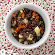 Carne moída com legumes (ou: a arte da multiplicação)  Como faz a carne render mais, com mais vitaminas e menos calorias.   Saudável, prático!  http://chezbiessa.com/carne-moida-com-legumes/