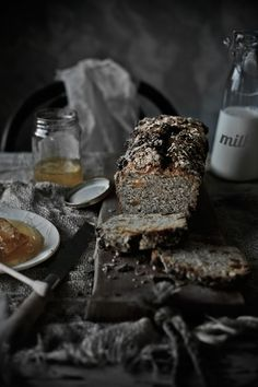Sorghum and whole wheat bread with pecans and dried apricots | Food, photography and stories