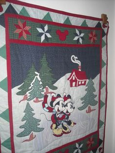 Mickey Christmas quilt: this looks like something an aunt or a mom would like...