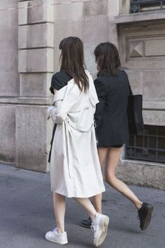 Minimalist Fashion Photos to Inspire You This Fall | StyleCaster