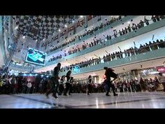 Flash mobs 'Don' a corporate hue; The flash mob phenomenon is rearing its head in unexpected locations, taking people by surprise --     This flash mob for Microsoft's marketing collaboration with the movie 'Don 2'.    Pulp Strategy Communications, organized the 'Don 2' multi product campaign activation in which the buzz creation content was one bit.