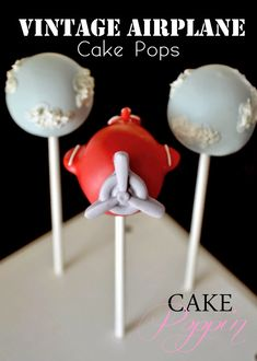 Pint Sized Baker: Vintage Airplane Cake Pops by Cake Poppin - Cake Decorating Cupcake Ideen Cake Pops, Baby Shower Cupcakes, Shower Cakes, Cake Pop Tutorial, Cloud Cake, Travel Cake, Airplane Party, Airplane Baby Shower Cake, Airplane Cakes