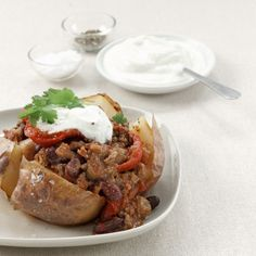 ORIGINALREZEPT von Jane Hornby: Chili con Carne mit gebackenen Kartoffeln Zubereitungszeit: 30 Minuten Garzeit: 1 …