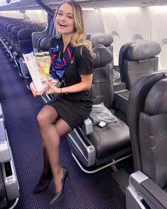 Flight Attendant Hot, Delta Flight Attendant Uniform, Female Pilot, Sexy Legs And Heels, Great Legs, High Class, Girl Fashion, Womens Fashion, Summer Outfits