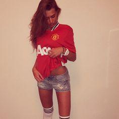 United Fan #beauty #footballgirls #manchesterunited #lovesoccer #soccerfan #thereddevils #footballbabes #womensoccer #manutd #soccergirls #babes #soccer #mufc