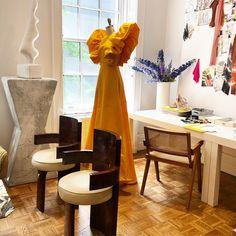 Christian Siriano When gowns become office sculpture   May đầm dạ hội đẹp Sài Gòn Meera Meera Bridal. #meerameera #meerameerafashionconcept #meerameerabridal #meerameeraweddingdress #meerameeraworld #aocuoi #mayaocuoi #aocuoimeerameera #bridal #bride #crown #embroidery #luxury #engagement #fashionforward #happy #hautecouture #instawedding #lifestyle #love #ootd #photooftheday #weddingdress #wedding #weddingblog #fashion #weddingdesign #Vogue #couture #ChristianSiriano #windowdisplay #eveninggown Christian Siriano, Fabric Art, Elie Saab, Wedding Designs, Evening Gowns, Dress Skirt, Fashion Forward, Dining Chairs, Fashion Dresses