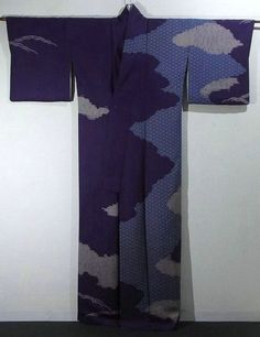 Japan, houmongi Kimono with 'asanoha' (hemp leaf) and cloud pattern, which is dyed with shibori (tie-dye) technique. It is designed by Sansai Saito, one of the most famous kimono designers.