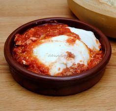 Huevos a la Manchega. Castilla La Mancha Egg Recipes, Fish Recipes, Dessert Recipes, Cooking Recipes, Healthy Recipes, Desserts, Slow Carb Diet, Spanish Kitchen, Huevos Rancheros