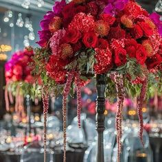 @r5events has this wedding drenched in gorgeous colors and flowers! photo: @kristafoxphotography | Planning: @faboccasions #r5events