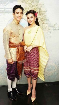 Thai Traditional Dress, Traditional Wedding Dresses, Traditional Outfits, Actors Birthday, Thai Wedding Dress, Love Destiny, Thai Dress, Thai Style, Costume Design