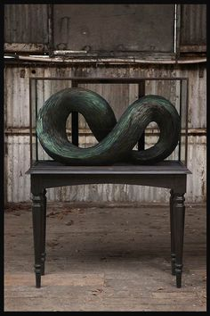 Fascinerende sculpturen van veren